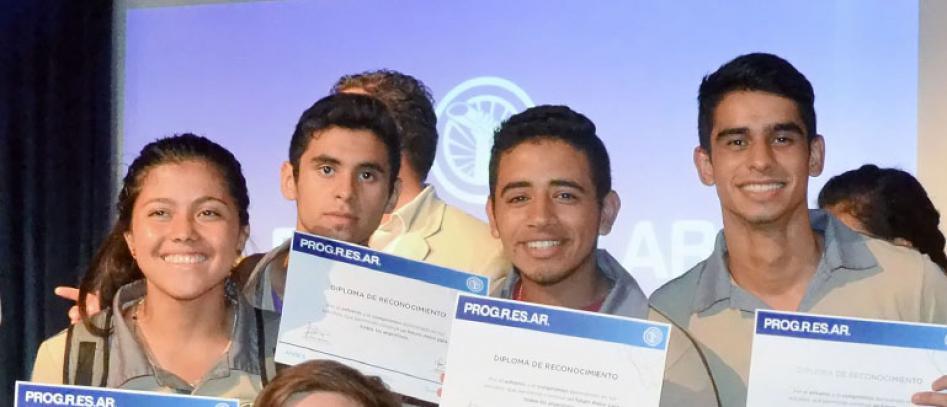 Peligran las carreras de cientos de alumnos terciarios por el recorte de becas Progresar