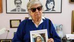 42 años buscando el abrazo de su nieta