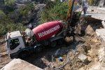 Trabajan en la reconstrucción del puente en bulevar Moreno